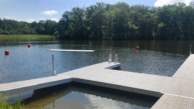 Camp Kayak Dock with Water Mat